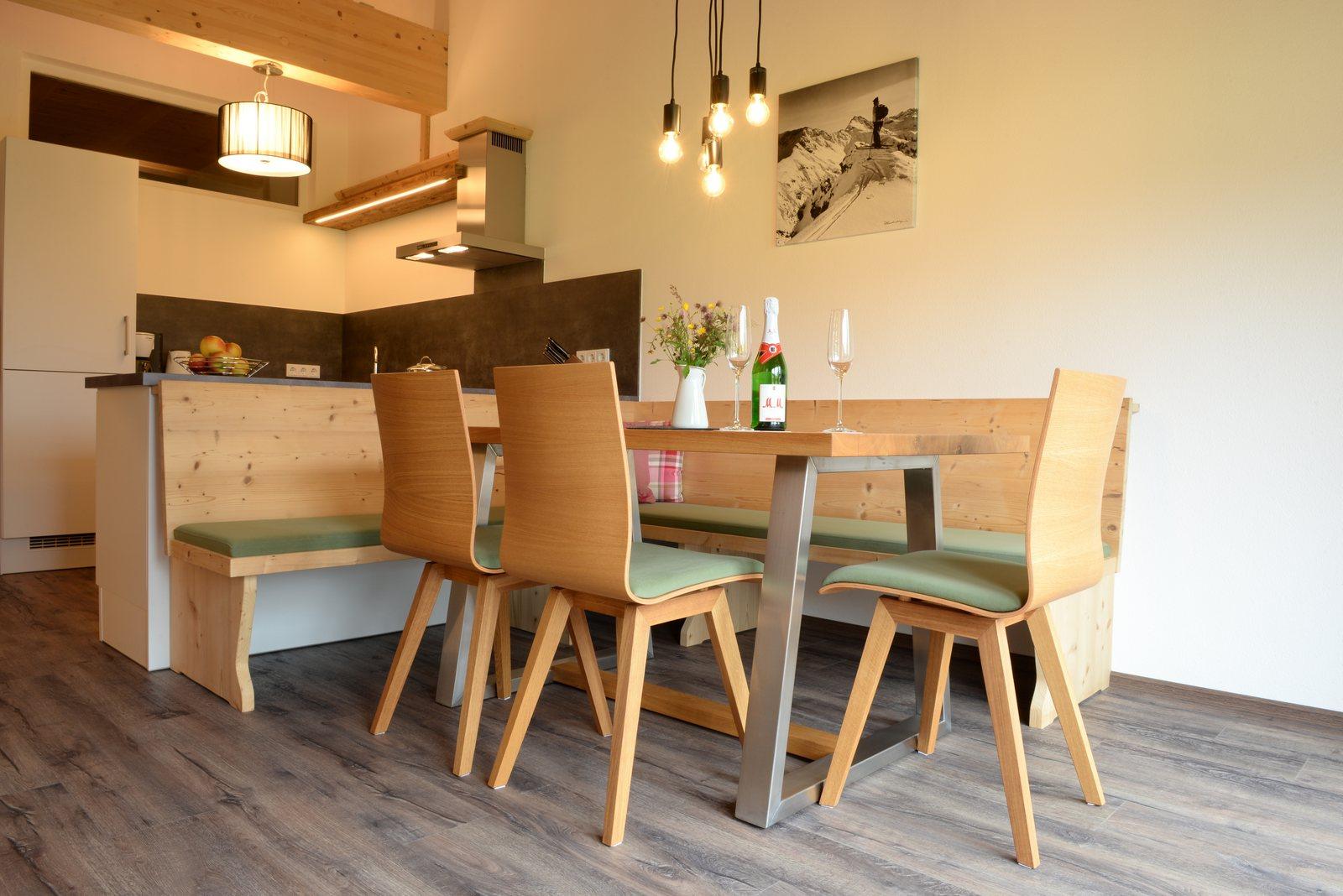 offener dachstuhl durch das richtige lften kann man vermeiden und das wohnklima verbessern. Black Bedroom Furniture Sets. Home Design Ideas